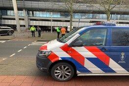 Marechaussee zet omgeving parkeergarage Schiphol af om verdacht pakketje in auto