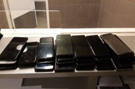 Verdachte met 30 telefoons in wielrenbroek aangehouden