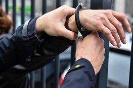 Aanhoudingen na drugscontroles horecagelegenheid en winkel
