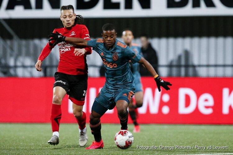 Jong Ajax herstelt zich met winst in Helmond