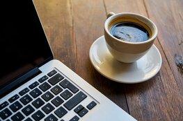 Amsterdam stelt opgeknapte laptops en wifi beschikbaar aan ouderen en minima