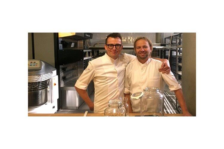 De Bakkerszonen startten Paasstol-doneeractie voor medewerkers OLVG