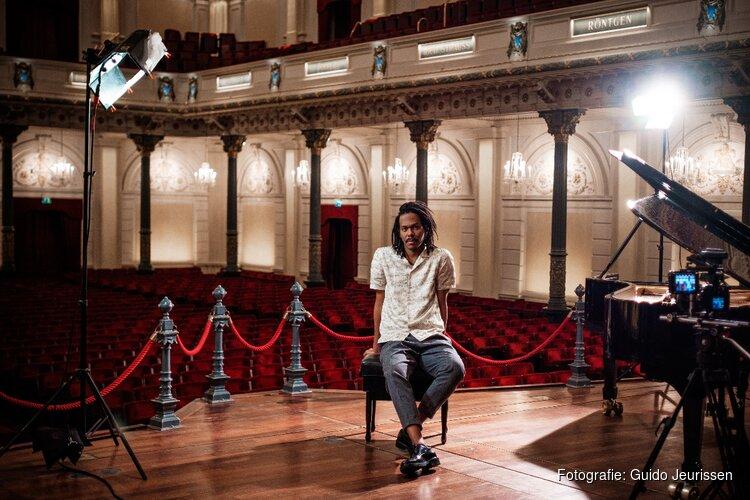 Jeangu Macrooy presenteert akoestische live-versie 'Grow' vanuit Het Concertgebouw