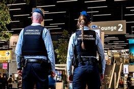 Opnieuw jongeren met messen aangehouden op Schiphol
