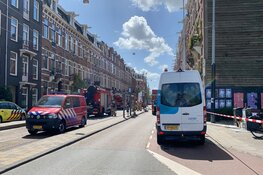 Flinke rookwolken bij brand in Amsterdam Oost