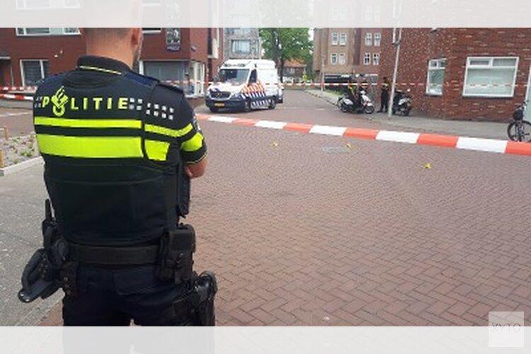 Agent lost schoten in Geuzenveld