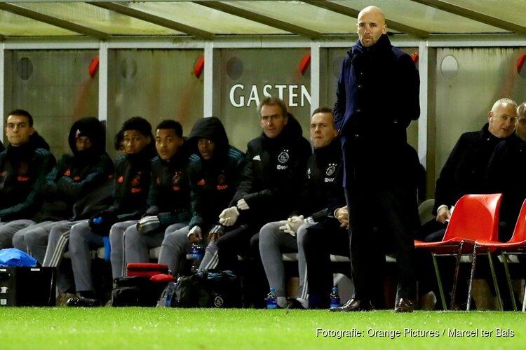 Ajax verlengt contract Mitchell van der Gaag