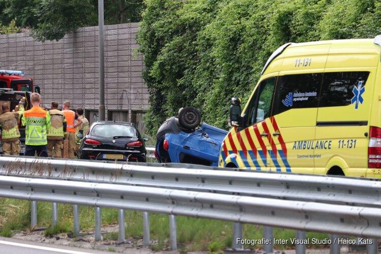 Twee gewonden bij zwaar ongeluk op A8: snelweg richting Amsterdam dicht
