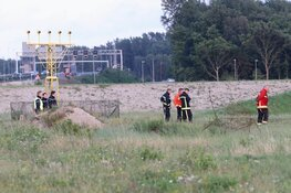 Grote zoektocht op en rond Schiphol na melding van automobilist die iets uit vliegtuig zag vallen