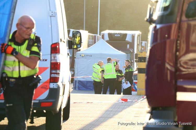 Ernstig ongeval met vrachtwagen bij Hanos Duivendrecht