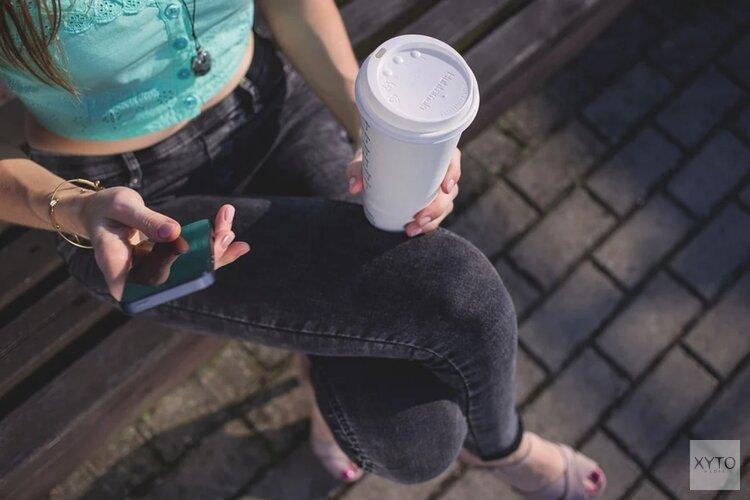 Amsterdamse bedrijven gebruiken steeds vaker voor promotie via kartonnen koffiebekers