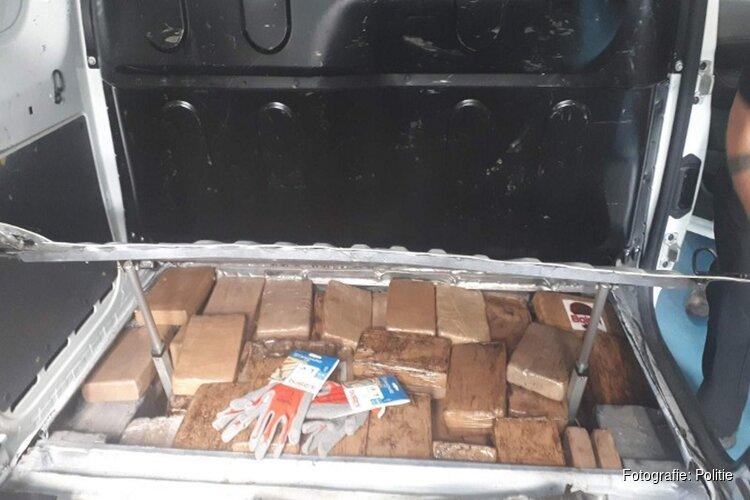 104 kilo cocaïne in verborgen ruimte aangetroffen op A2