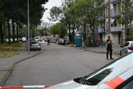 Politie schiet man met mes neer, man overlijdt