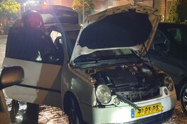 Auto in brand in Landsmeer