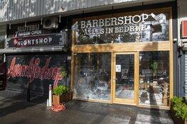 Ruit vernield na explosie bij kapperszaak in Amsterdam Nieuw-West