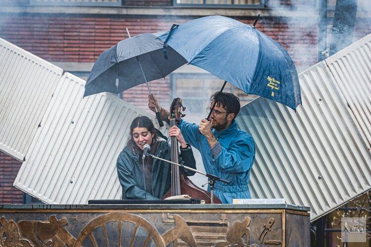 Collectief Walden speelt de troostrijke doemdienst Warmte op gepaste afstand tijdens Warming Up Festival in de Tolhuistuin