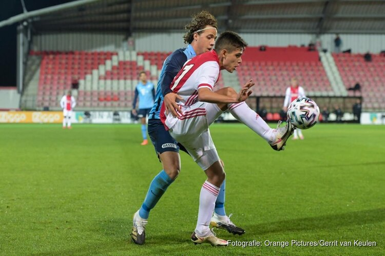 Jong Ajax na rust langs Jong FC Utrecht