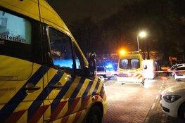 Man overleden na steekincident bij hostel Bos en Lommer