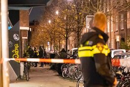 Arrestatieteam valt woning Bestevaerstraat binnen