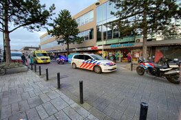 Medewerker supermarkt neergestoken in Amsterdam